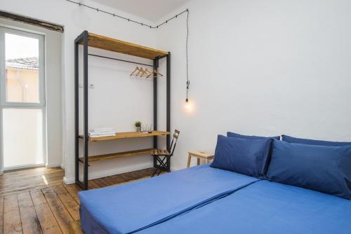 Малка двойна стая